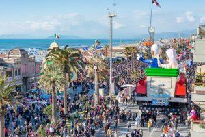 vacanza a Portovenere o weekend vicino al Carnevale di Viareggio